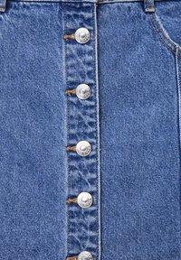 PULL&BEAR - Denim skirt - mottled dark blue - 6