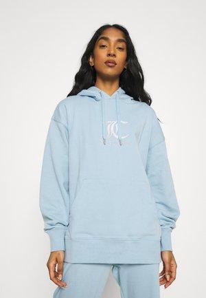 QUEENIE - Sweatshirt - powder blue
