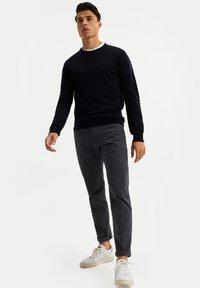 WE Fashion - Chinot - dark grey - 3