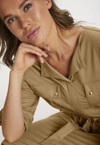 Saint Tropez - Day dress - pecan brown - 2