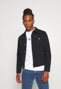 Calvin Klein Jeans - FOUNDATION SLIM - Kurtka jeansowa - washed black - 0