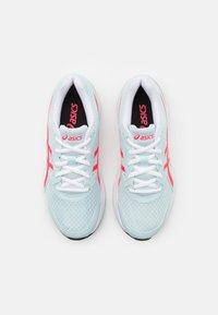 ASICS - JOLT 3 - Scarpe running neutre - aqua/diva pink - 3