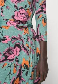 Diane von Furstenberg - NEW JULIAN TWO - Trikoomekko - medium green - 4