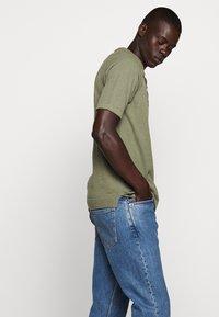 CLOSED - Polo shirt - soft khaki - 4