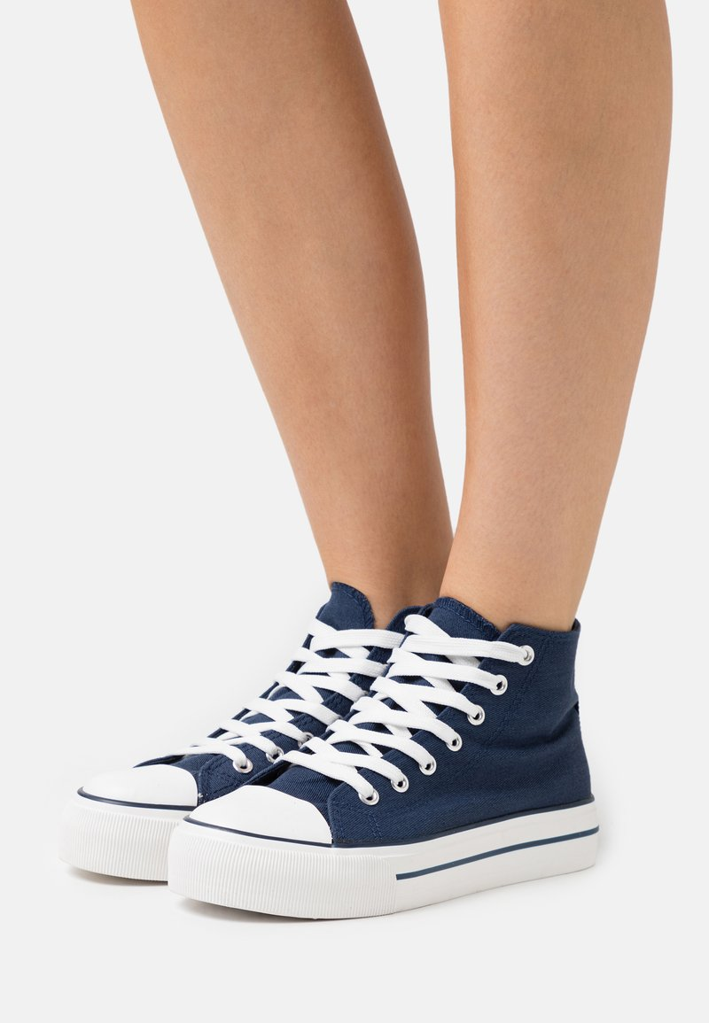 Miss Selfridge - IVER FLAT - Sneakers hoog - dark blue