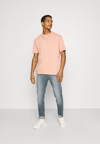 Lee - AUSTIN - Jeans Tapered Fit - visual shark - 1