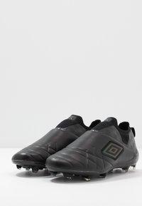 Umbro - MEDUSÆ III ELITE FG - Moulded stud football boots - black/black reflective - 2