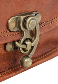 Gusti Leder - Across body bag - brown - 7