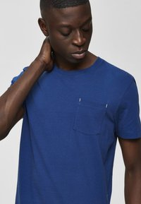 Selected Homme - Basic T-shirt - estate blue - 4