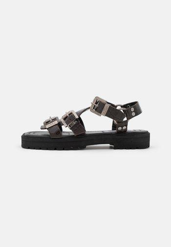 SPECTOR - Sandals - mocha