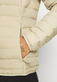 adidas Performance - VARILITE SOFT HOODED - Down jacket - savann - 4