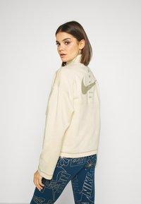 Nike Sportswear - Sweatshirt - fossil/stone - 2