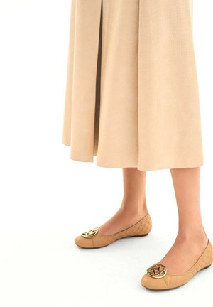 MALIKA - Ballerina's - light brown