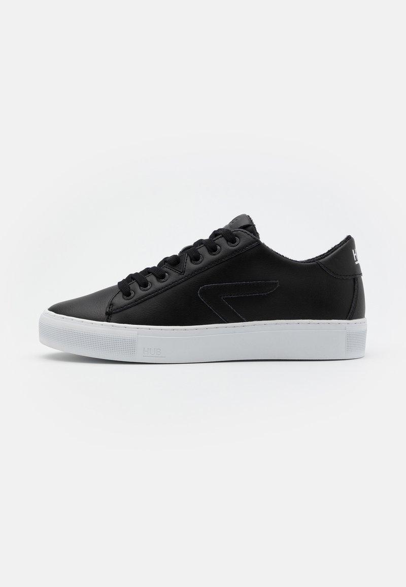 HUB - HOOK  - Trainers - black/white
