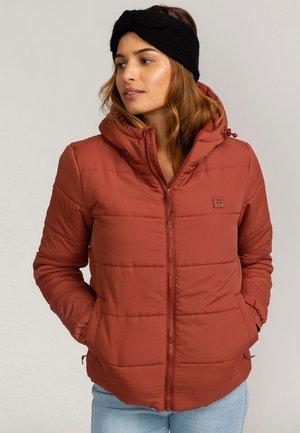 ADVENTURE DIVISION COLLECTION TRANSPORT - Winter jacket - chestnut