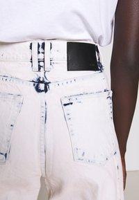 Proenza Schouler White Label - WIDE LEG CROP - Široké džíny - bleached denim - 6