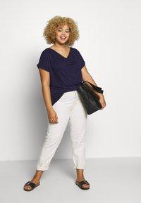 Anna Field Curvy - Print T-shirt - evening blue - 1