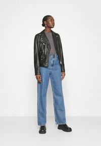 Calvin Klein Jeans - DRAPEY CAP SLEEVE  - Basic T-shirt - black - 1