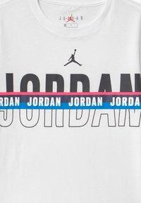 Jordan - SPLIT DECISION - T-shirt print - white - 2