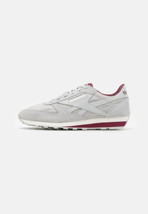 CL - Sneaker low - grey/merlot/chalk