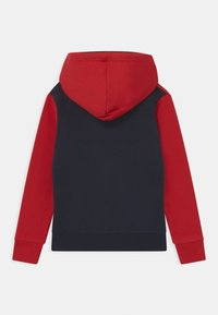 Jack & Jones Junior - JJELOGO BLOCKING HOOD - Mikina s kapucí - tango red - 1