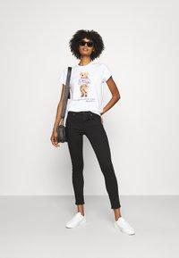 Polo Ralph Lauren - BEAR SHORT SLEEVE - T-shirt con stampa - white - 1