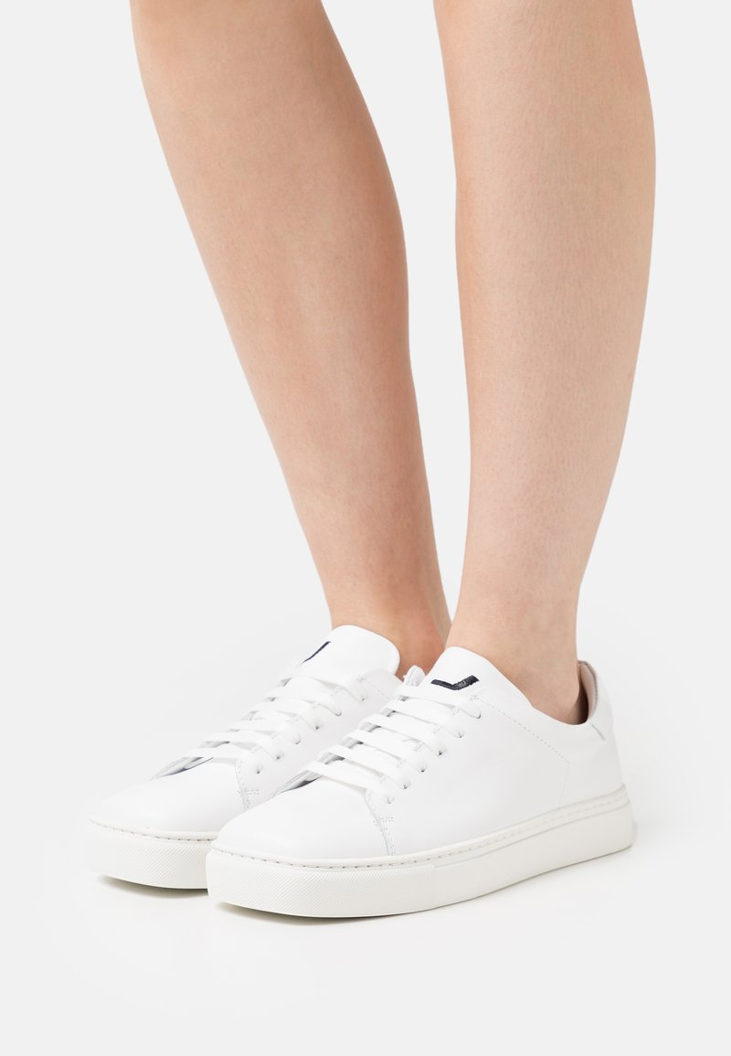 Joshua Sanders - EXCLUSIVE SQUARED SHOES  - Trainers - white
