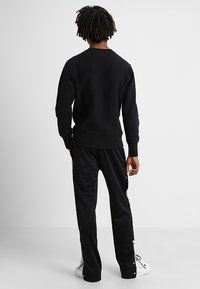 Champion Reverse Weave - Collegepaita - black - 2