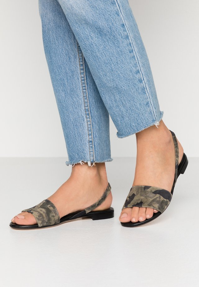 Sandals - military
