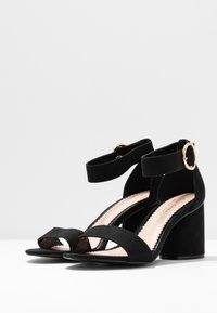 Miss Selfridge Wide Fit - WIDE FIT BLOCK HEEL BARELY THERE - Sandals - black - 4