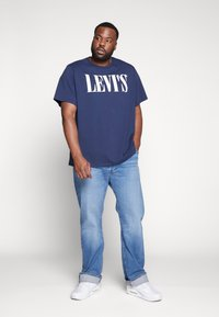 Levi's® Plus - BIG GRAPHIC TEE - Print T-shirt - dress blues - 1