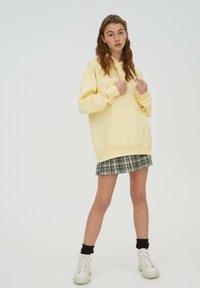 PULL&BEAR - Hoodie - yellow - 1