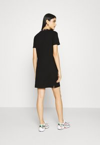 Calvin Klein Jeans - LOGO TRIM DRESS - Vestito di maglina - black - 2