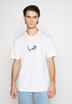 SAX APPEAL RETRO FIT TUBE TEE - Print T-shirt - white