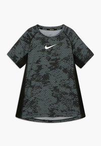 Nike Performance - Triko spotiskem - black/white - 0
