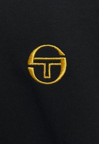 Sergio Tacchini - NORTO  - Triko spotiskem - black/gold - 2