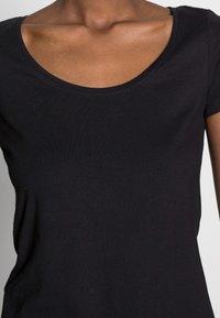 Anna Field - 3 PACK - T-shirts basic - white/black/dark grey - 6