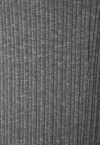 ONLY - ONLMELIKA PANTS  - Bukser - medium grey melange - 2