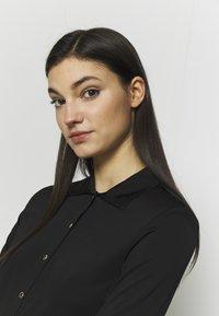 Versace Jeans Couture - Chemisier - black - 3