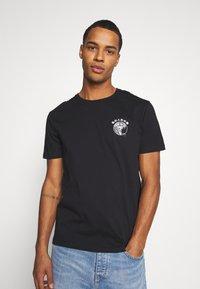 YOURTURN - UNISEX - T-shirt z nadrukiem - black - 0
