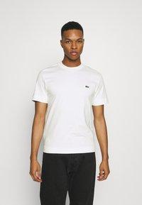 Lacoste - T-shirt basic - flour - 0