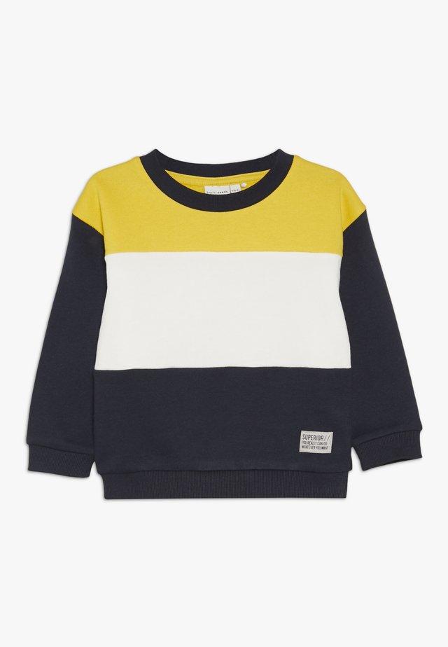 NKMVANCE  - Sweatshirts - freesia