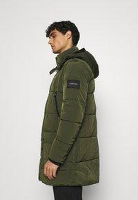 Calvin Klein - CRINKLE LONG LENGTH JACKET - Zimní kabát - green - 4