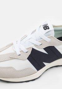 New Balance - PH327FE UNISEX - Trainers - grey - 5