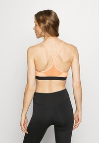 Nike Performance - INDY BRA - Sports bra - washed coral/black/black - 2