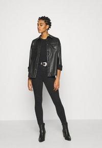 ONLY - ONLMILA LIFE - Jeans Skinny Fit - black denim - 1