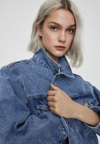 PULL&BEAR - Denim jacket - dark blue - 4