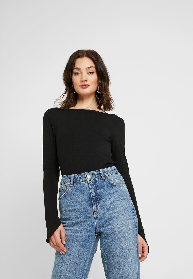 NA-KD - Pamela Reif x NA-KD LONG SLEEVE BOAT NECK - Long sleeved top - black