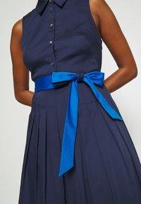 kate spade new york - POPLIN COLORBLOCK DRESS - Shift dress - squid ink - 3