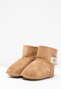 UGG - ERIN - First shoes - chestnut - 2